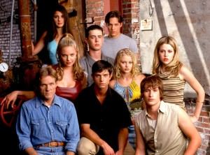 rs_560x415-140606081057-1024.Roswell-TV-Series.jl.060614