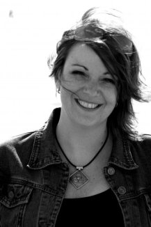black-and-white-photo-alli-sinclair